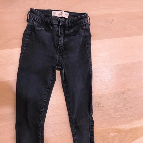 Hollister Pants - super skinny black jeans